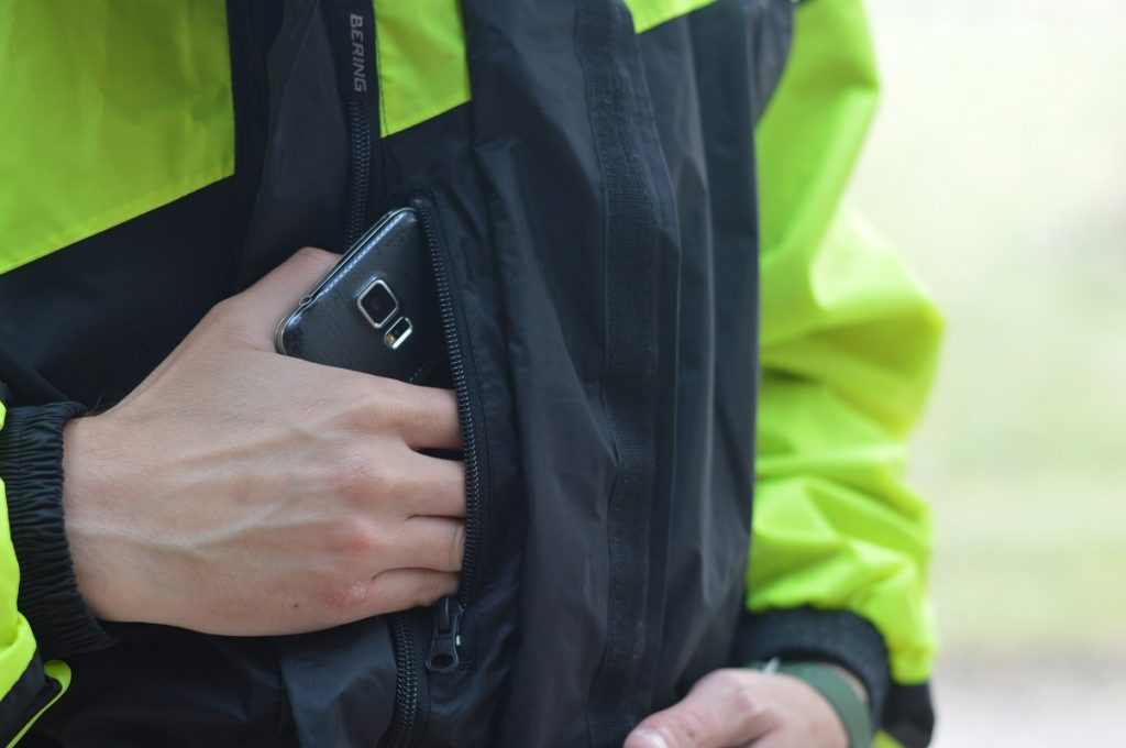 Une poche intérieur très large vous permet de garder l'essentiel à portée de main