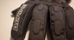 Des rembourrages sur les doigts améliorent la protection