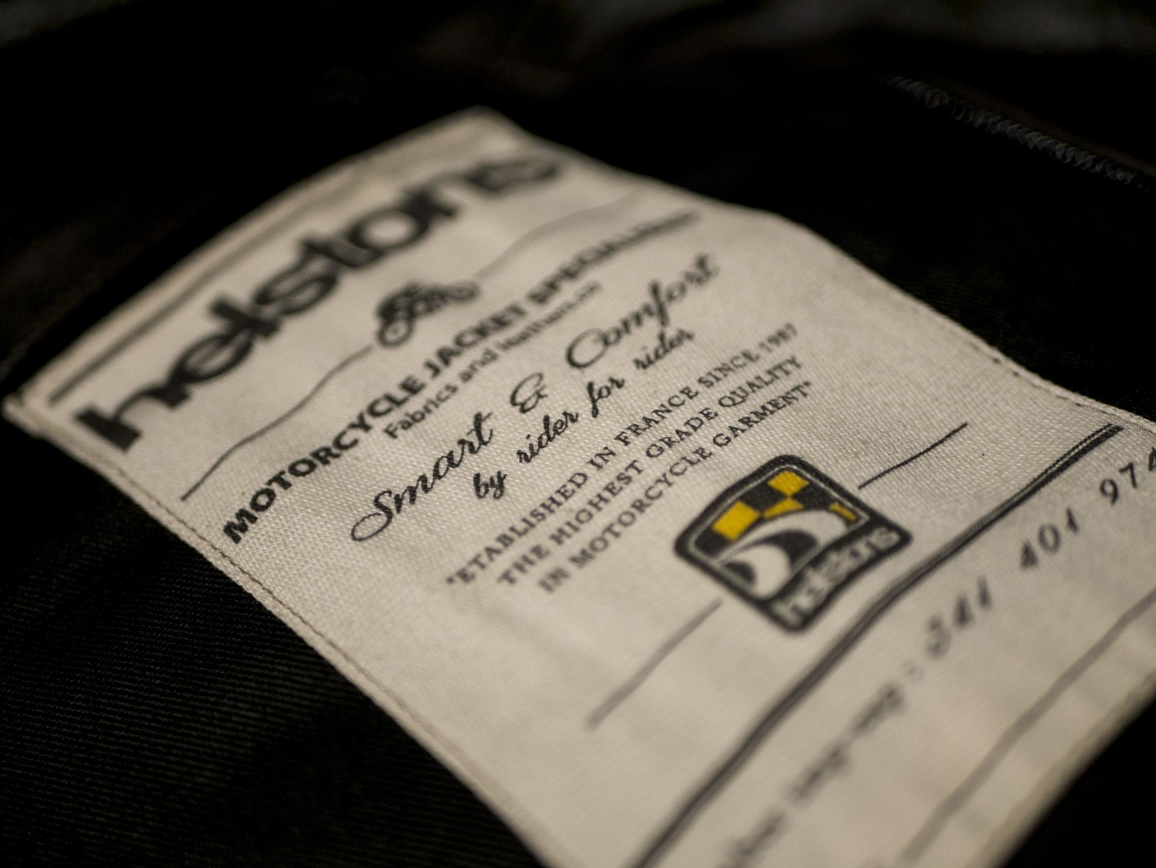 étiquette cousue dans le blouson Helstons Benji Fender