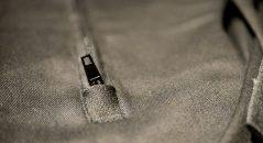 Zip de la fermeture éclair de la poche dorsale du Benji Fender de Helstons