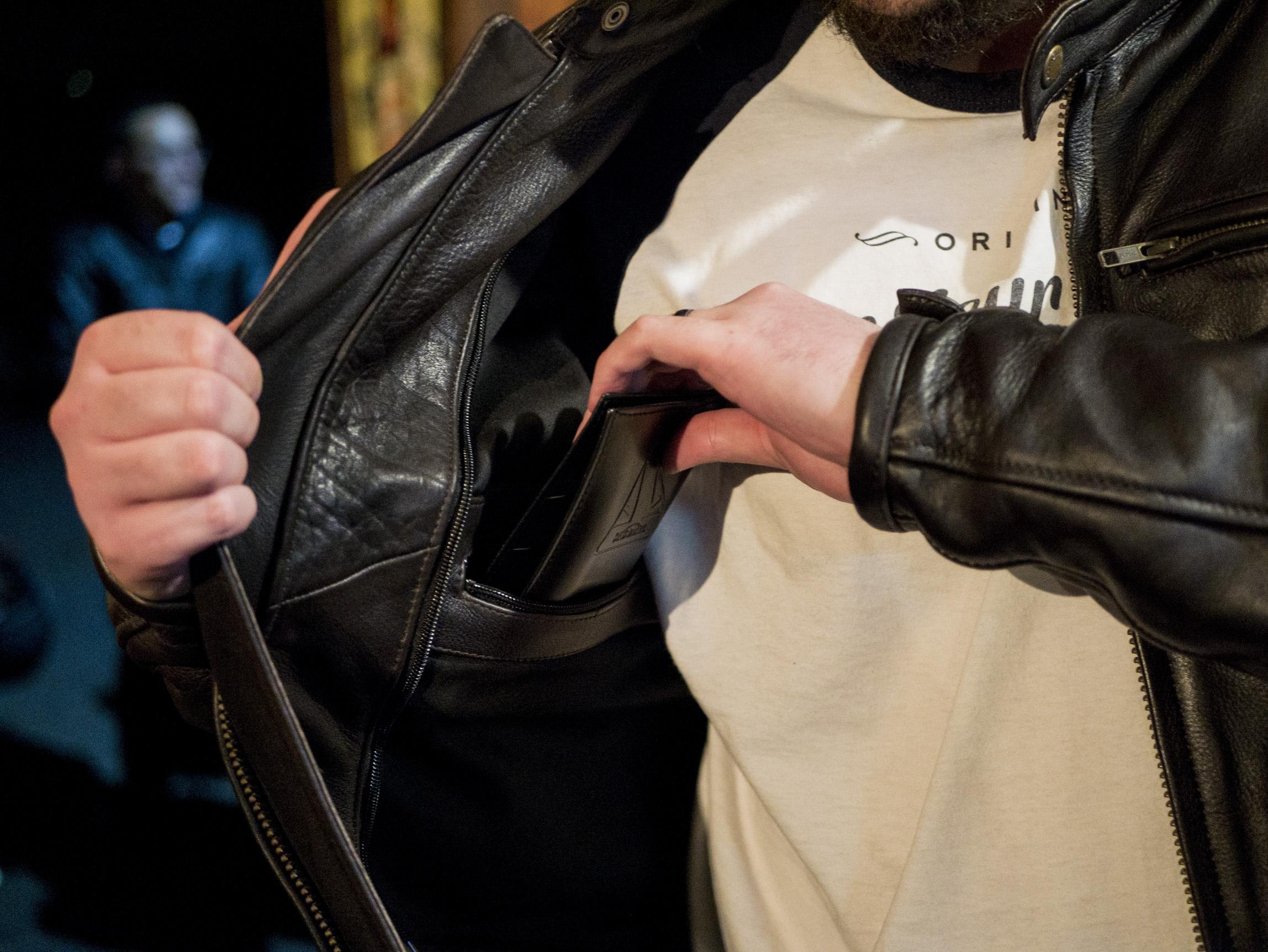 Grande poche pour le Helstons Benji Fender