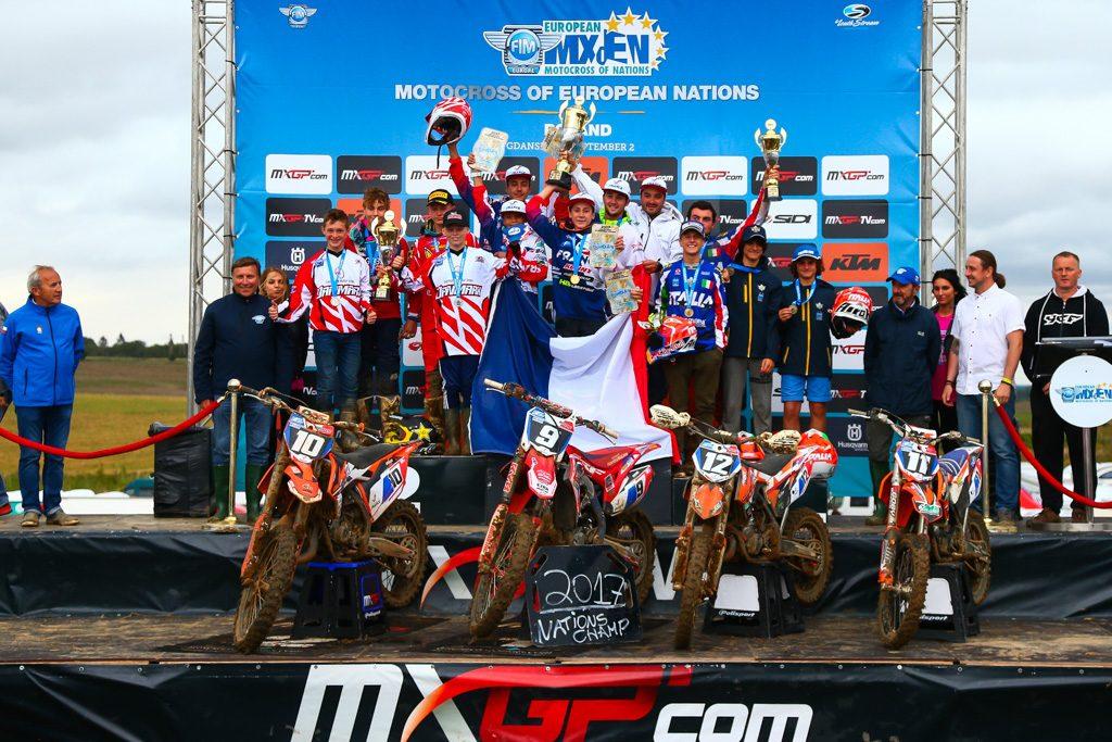 Le podium par équipe, la France sur la première marche !