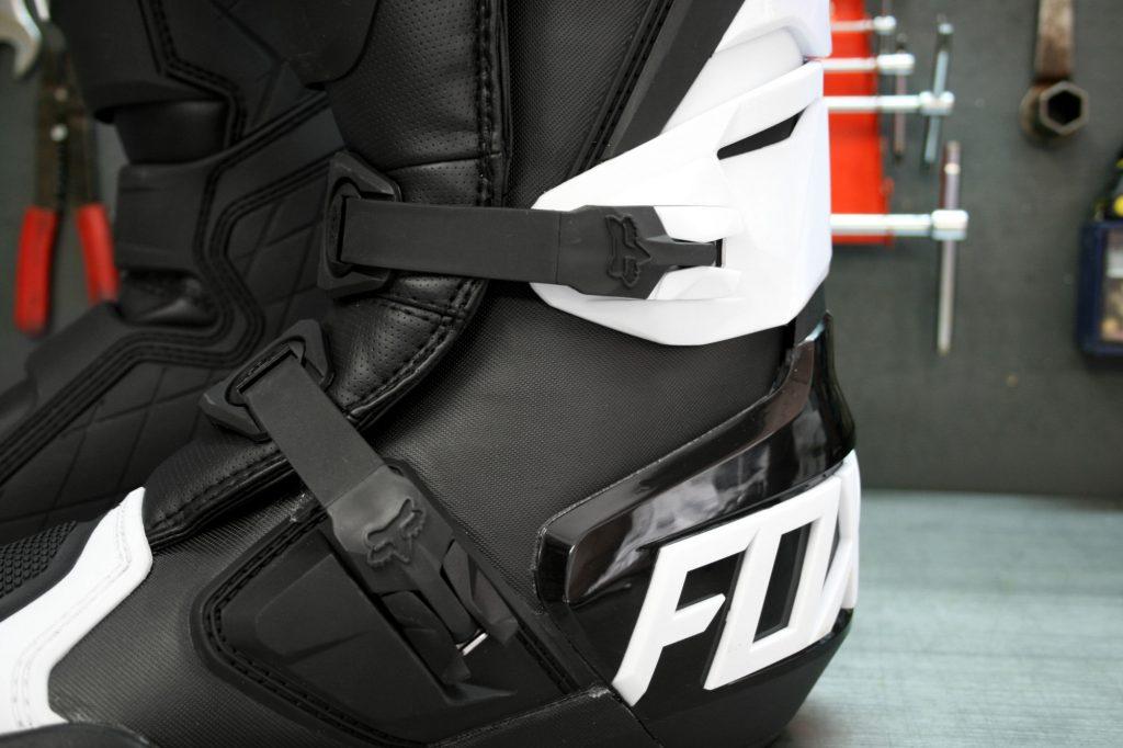 Les Fox 180 ne disposent pas de système de flexion à la cheville, mais cela ne les rend pas moins souple pour autant