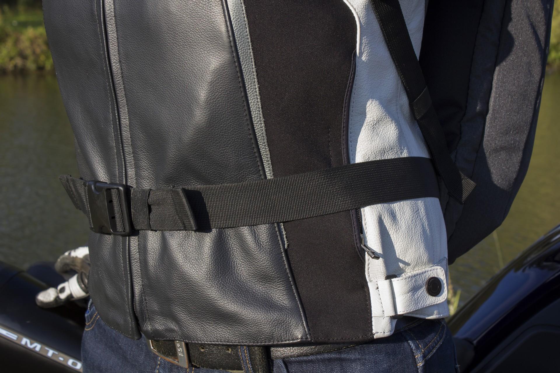 La ceinture ventrale, un peu courte