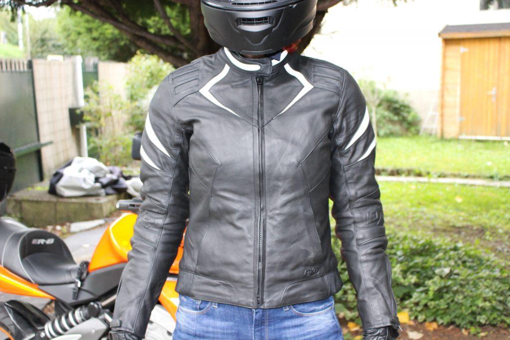Blouson moto DXR Diva Racer : un blouson roadster.