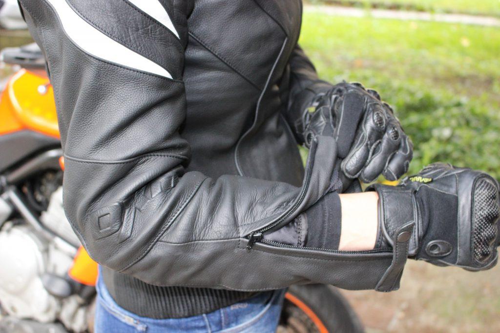 Pattes de serrage des manches du blouson de moto roadster pour femme Diva Racer de DXR