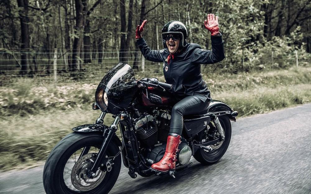 Octobre Rose à moto