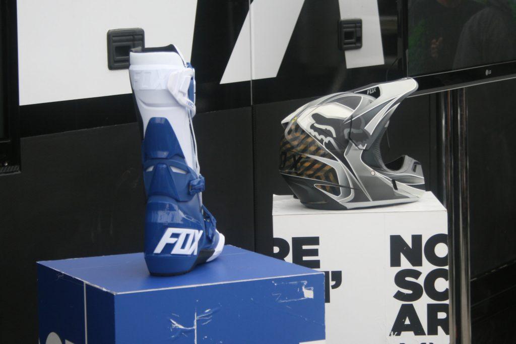 Fox présentait ses nouveautés 2018, le casque V3 et les bottes 180