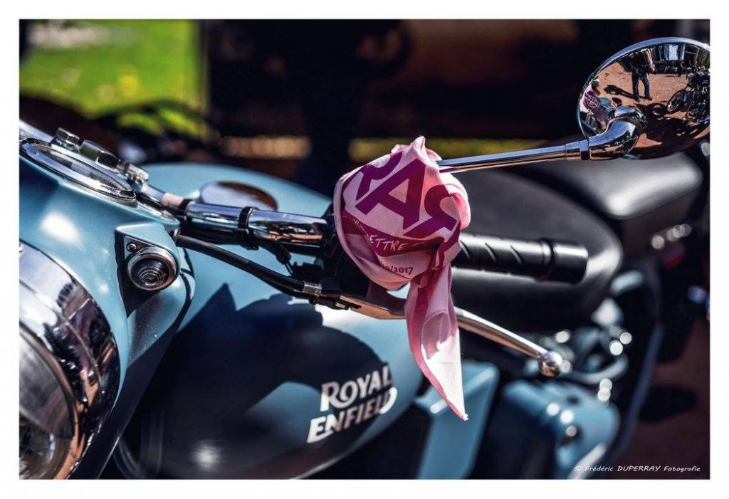 Logo RARE sur une Royal Enfield, photo Frederic Duperray