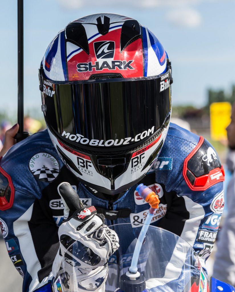 Le domaine du Shark Race-R Pro, c'est avant tout la piste !