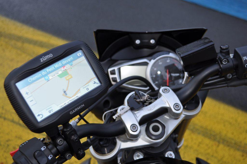 En route avec le GPS Garmin Zümo 345 LM !