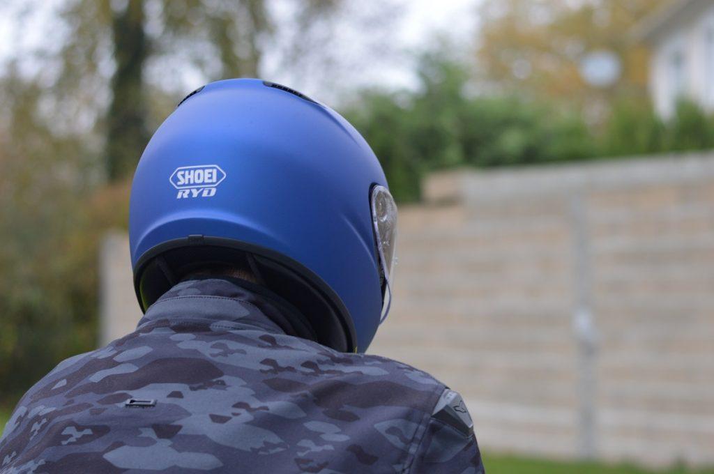 Le casque Shoei RYD est léger, 1350 grammes tout équipé !