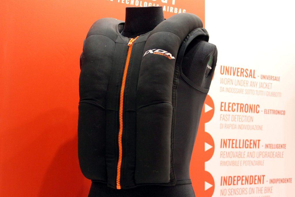 L'airbag Ixon, autonome, accessible et à porter sous votre blouson !