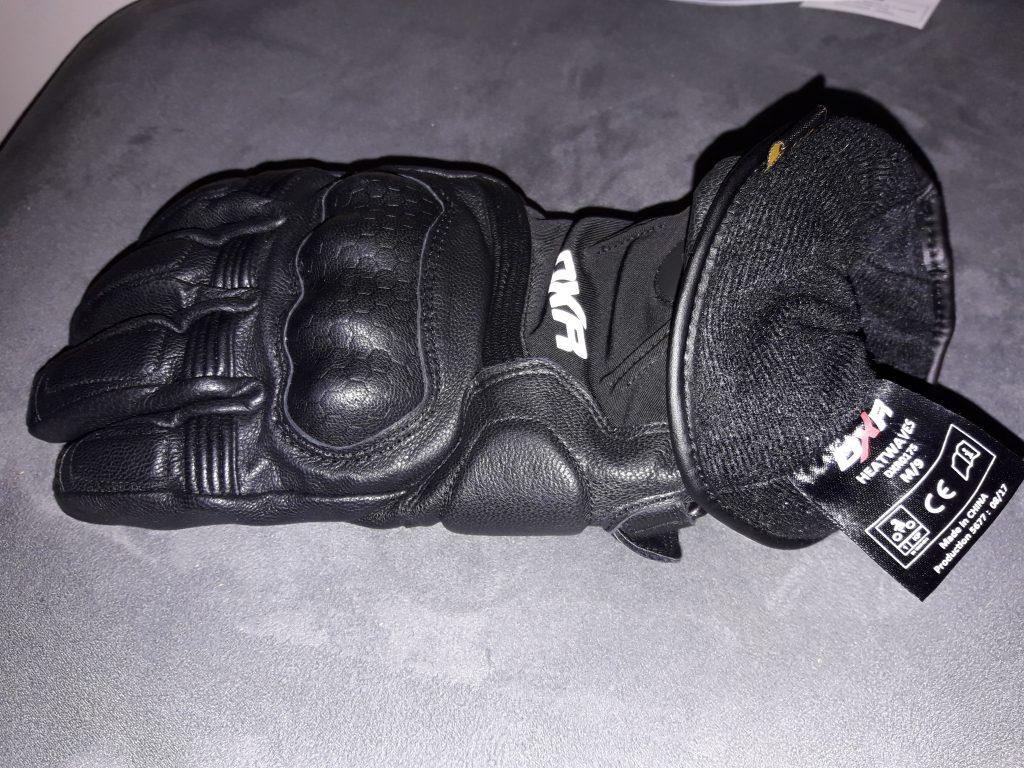 Etiquette de certification CE à l'intérieur du gant DXR Heatwaves… Une marque externe aurait été plus pratique.