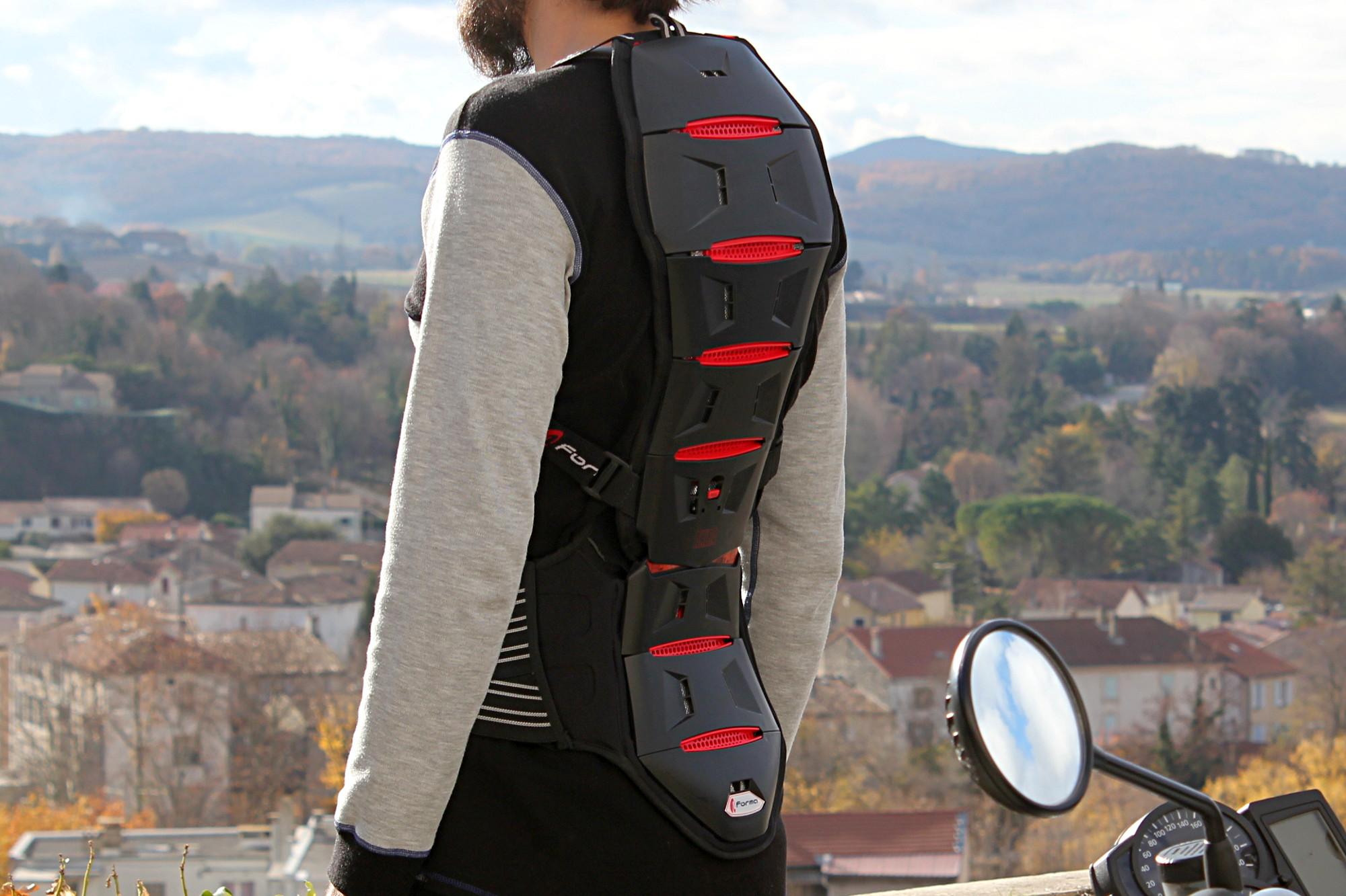 Bien choisir sa protection dorsale moto