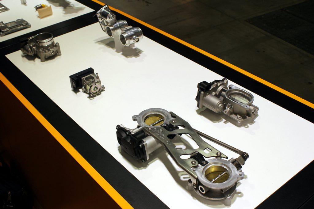 Contrôle de la pollution oblige, les pièces moteur épargnées par les circuits intégrées sont de plus en plus rares