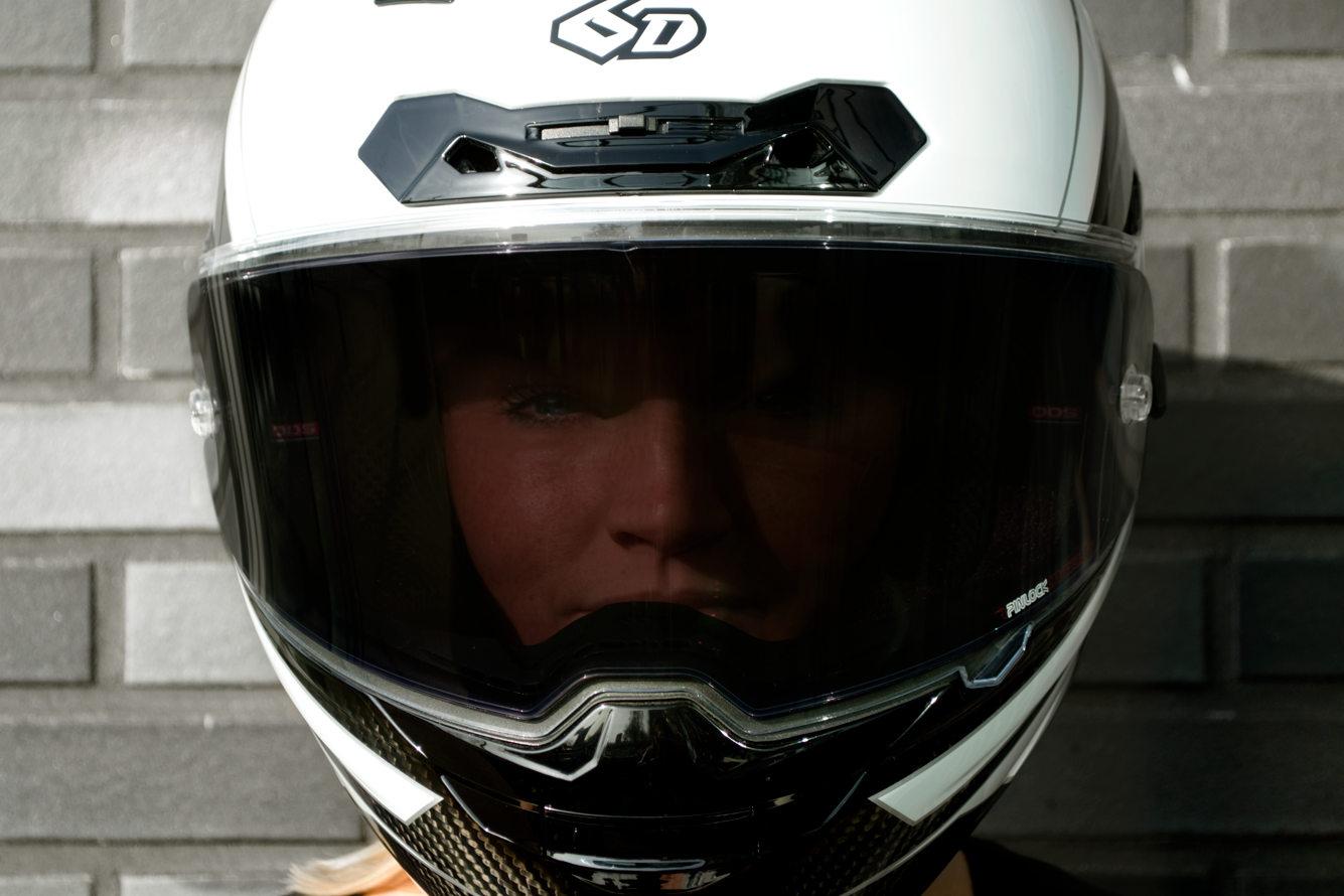 Quipement moto 2018 les nouveaut s sympa de l 39 eicma for Ecran photochromique