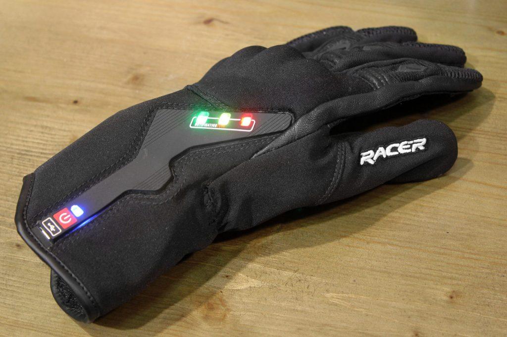 Le prototype de gant moto connecté Liberty Racer qui vous avertit des dangers