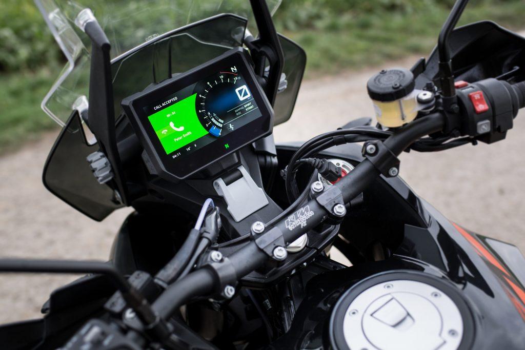 Le tableau de bord Myspin de Bosch sur une KTM adventure