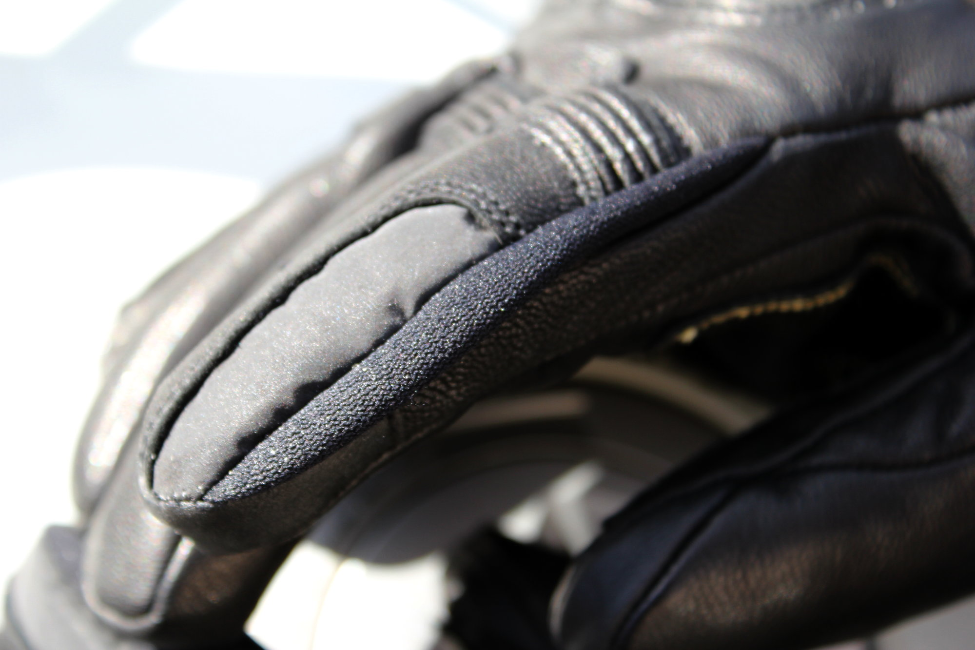 Racjette gants moto