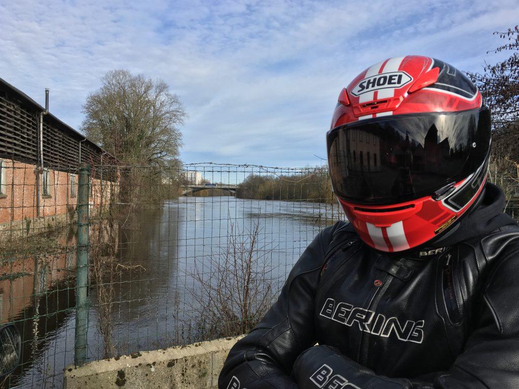 Le Shoei NXR, un casque sport-touring