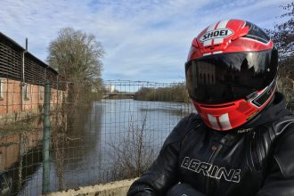 Le Shoei NXR, un casque sport-touring