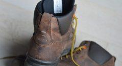 Vue sur l'arrière de ces chaussures de moto Falco Patrol
