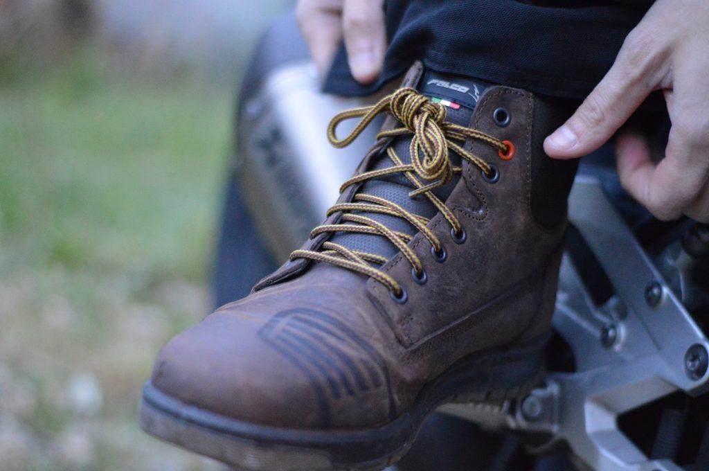 Pas toujours simple de bien serrer les chaussures Falco Patrol