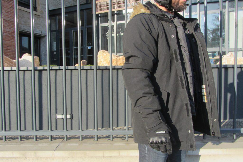 Une veste moto passe-partout aux finitions impeccables