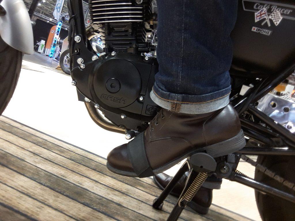 Oui, les 125 ont droit elles aussi à de belles boots