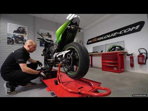 Remplacer les bougies de sa moto, le tuto vidéo complet !