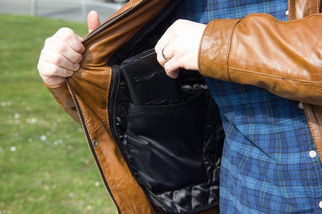 Poche pour portefeuille intérieure droite dans la doublure amovible