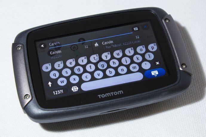 TomTom Rider 450 - Clavier virtuel et saisie prédictive