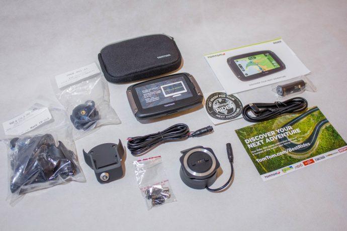 Le contenu du pack Premium du TomTom Rider 450