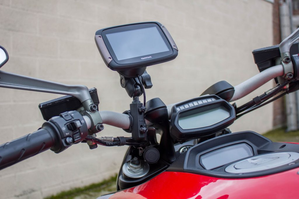 TomTom Rider 450 – GPS installé sur Ducati Diavel
