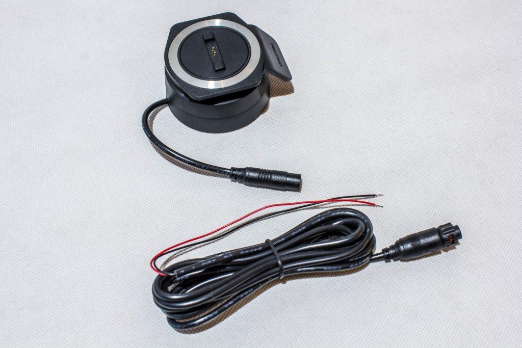 TomTom Rider 450 – Platine de fixation et câble d'alimentation