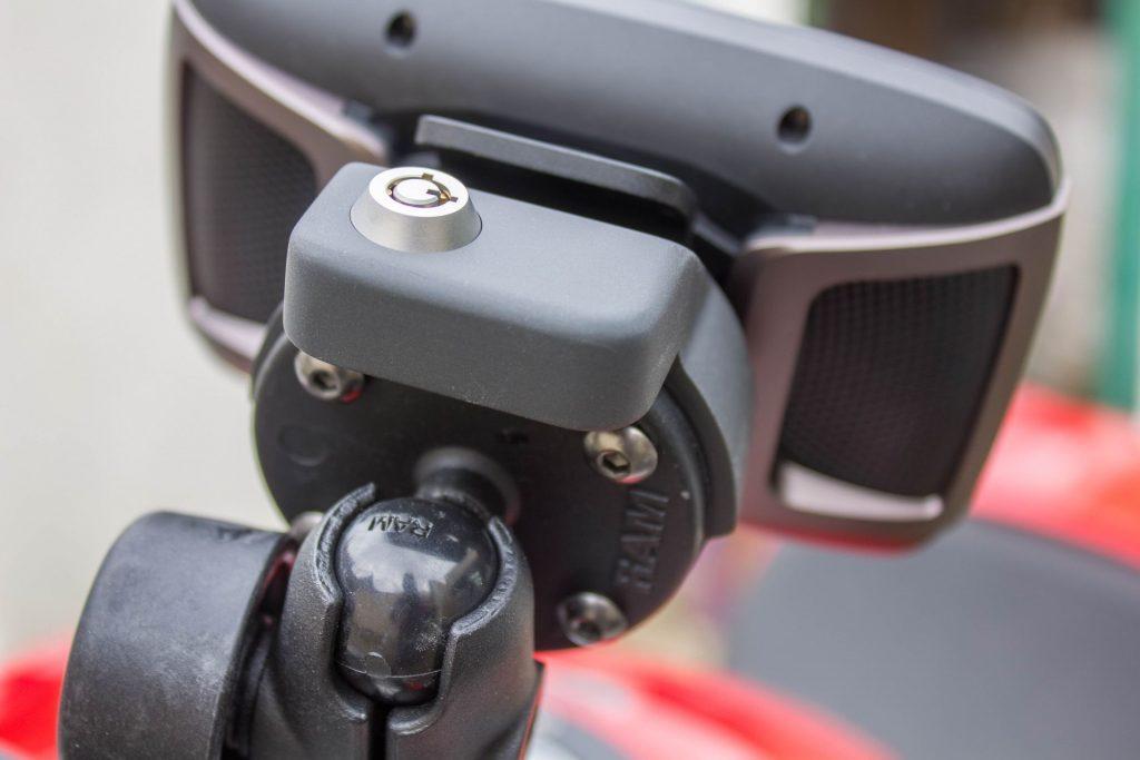 TomTom Rider 450 – serrure de l'antivol platine GPS