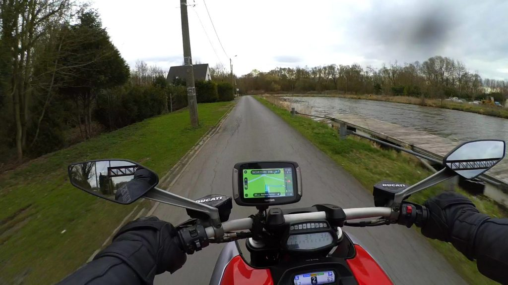 TomTom Rider 450 – vue de la moto