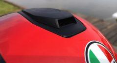 La large ventilation supérieure du casque AGV SportModular, très efficace