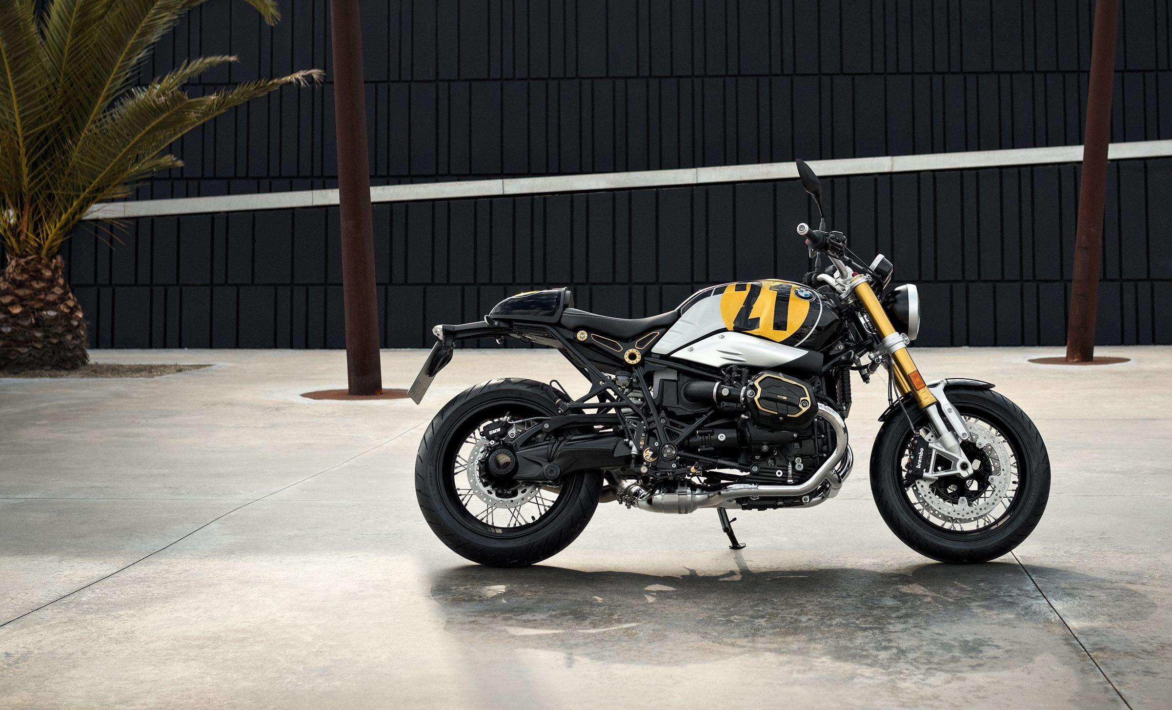 bmw r nine t spezial et racer luxe couple et volupt essai moto. Black Bedroom Furniture Sets. Home Design Ideas