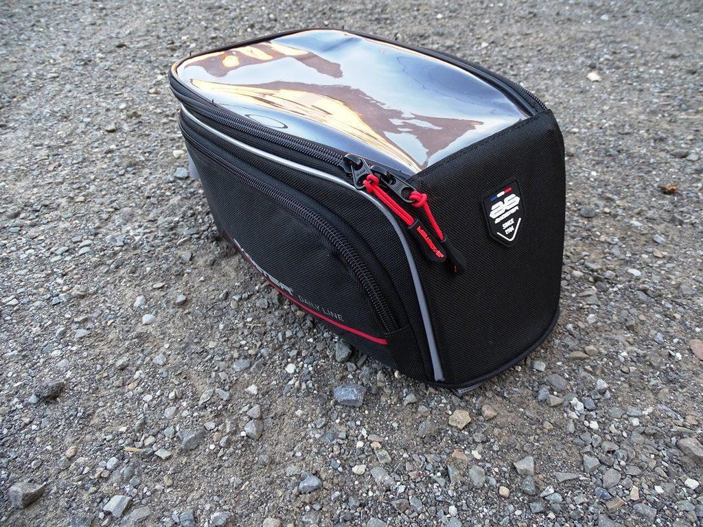 La sacoche Bagster D-Line Nitro est légèrement inclinée à l'avant pour un meilleur aérodynamisme