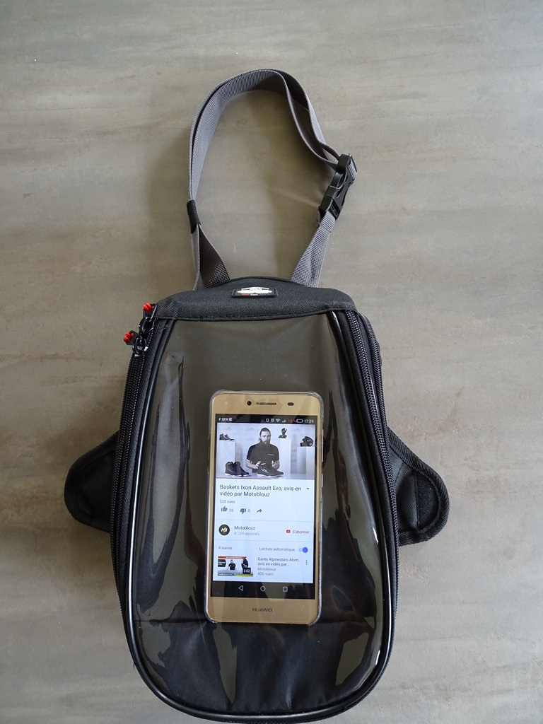 Poche pour smartphone sur la sacoche Bagster D-Line Nitro