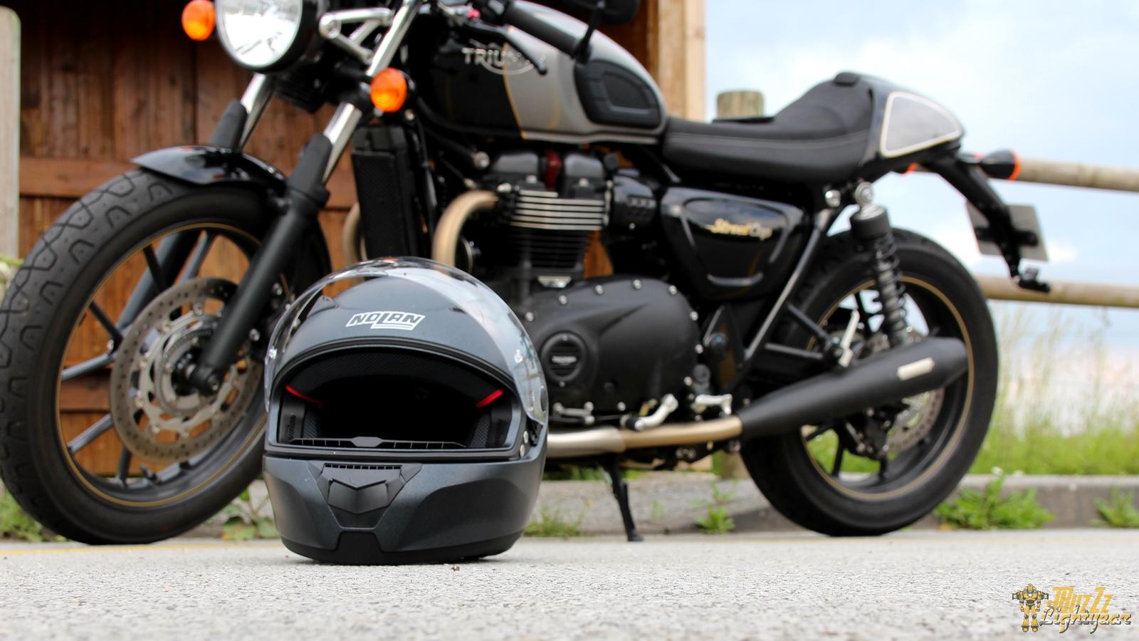 Avec son design épuré, le casque Nolan N60.5 Special s'accorde avec tous les styles de machine...