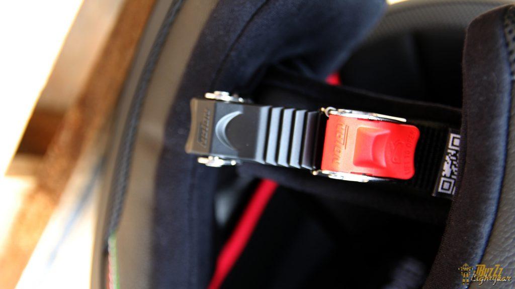 Certes moins sécurisante qu'une Double-D, la boucle micrométrique a l'avantage d'être facile à utiliser