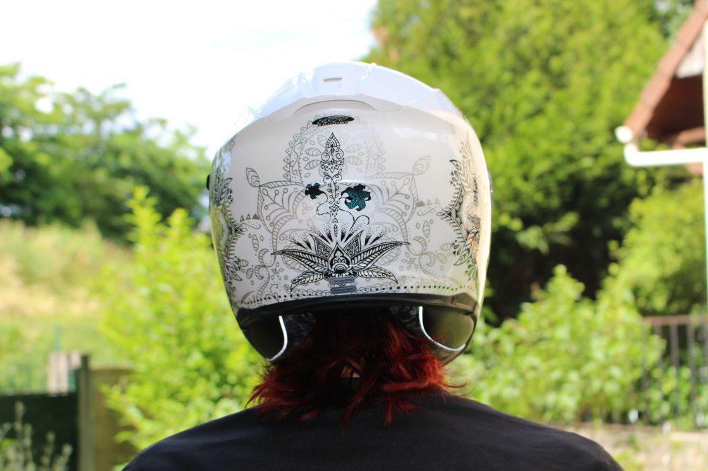 Le casque Scorpion Exo 510 Air de dos, avec son mélange mat et irisé.