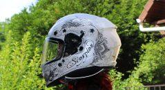 Dessins effets tattoo sur le casque Scorpion Exo 510 Air