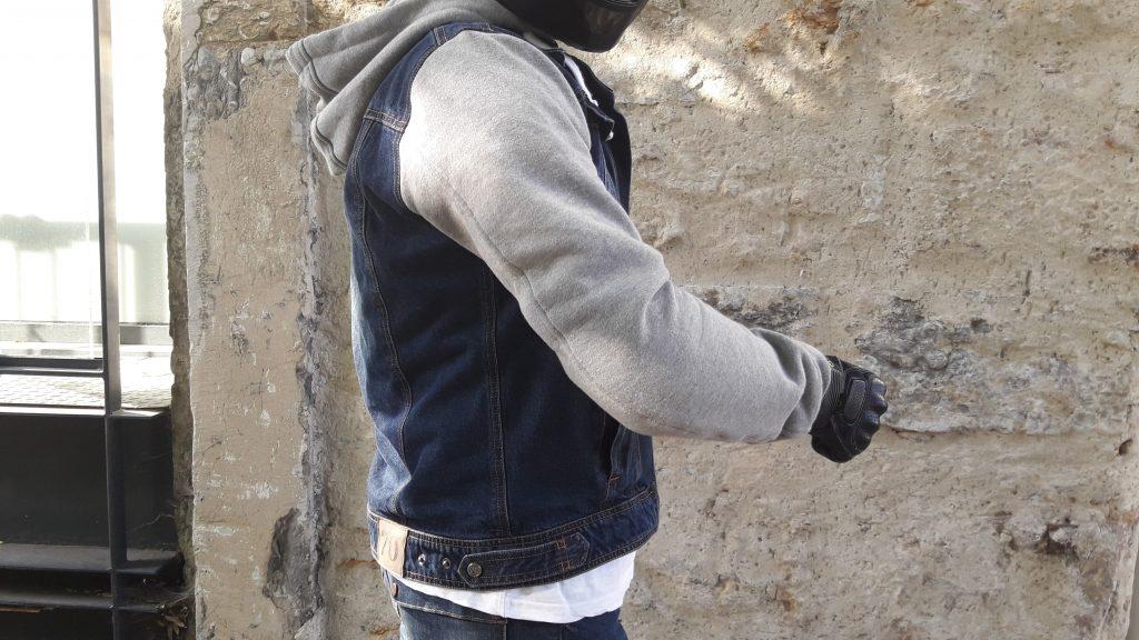 Les manches du blouson Segura Kurt sont confectionnées dans un coton lourd gris chiné