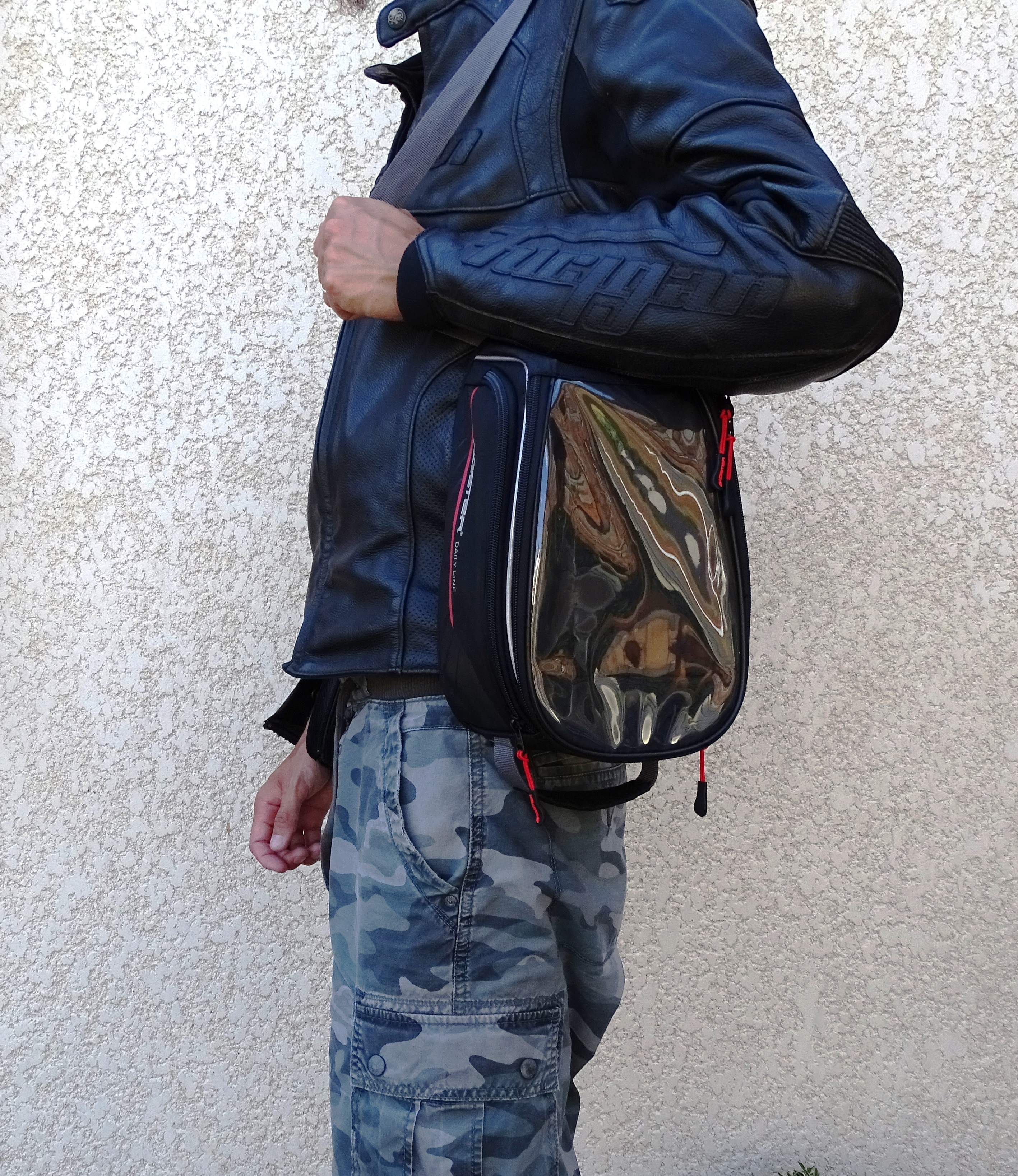 Porter la sacoche Bagster D-Line Nitro
