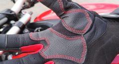 Renforts synthétiques sur les gants Alpinestars Kinetic