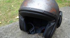 Le casque Caberg Ghost, ici vu de côté, et sans partie avant